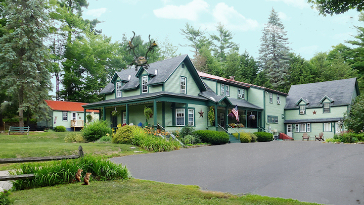 Dog Friendly Bed And Breakfast New Hampshire